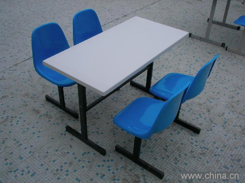 供应珠海专业生产玻璃钢餐桌厂免费送货安装
