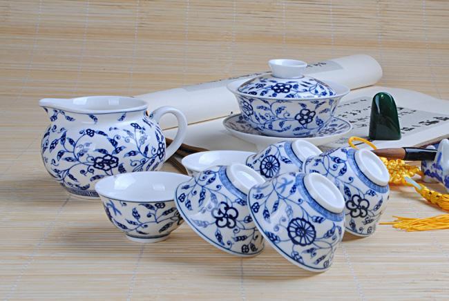 供应官窑青花椰树茶具青花瓷图片