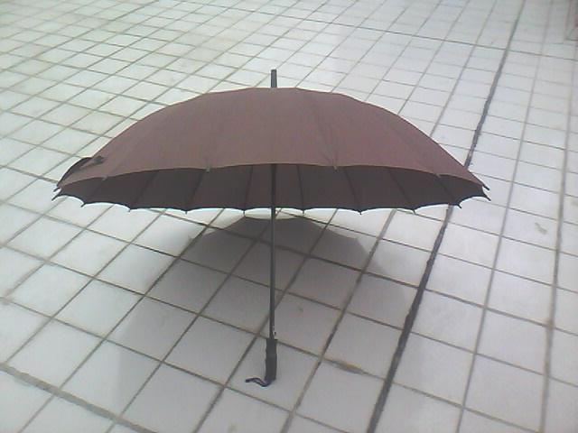供应16K直骨广告伞制作,专业礼品伞制作,广告伞出售