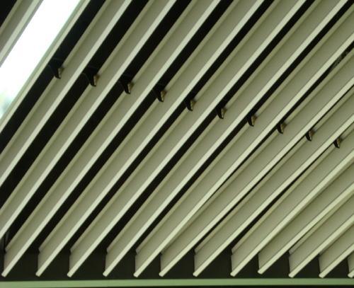 供应滴水挂片-广州大广铝业装饰材料厂-木纹滴水挂片天花-集成吊顶