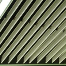 供应铝方通挂片 V型铝挂片天花  铝方通挂片厂家