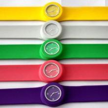 深圳手表厂家供应啪啪表/硅胶手表,有石英机芯和电子机芯选