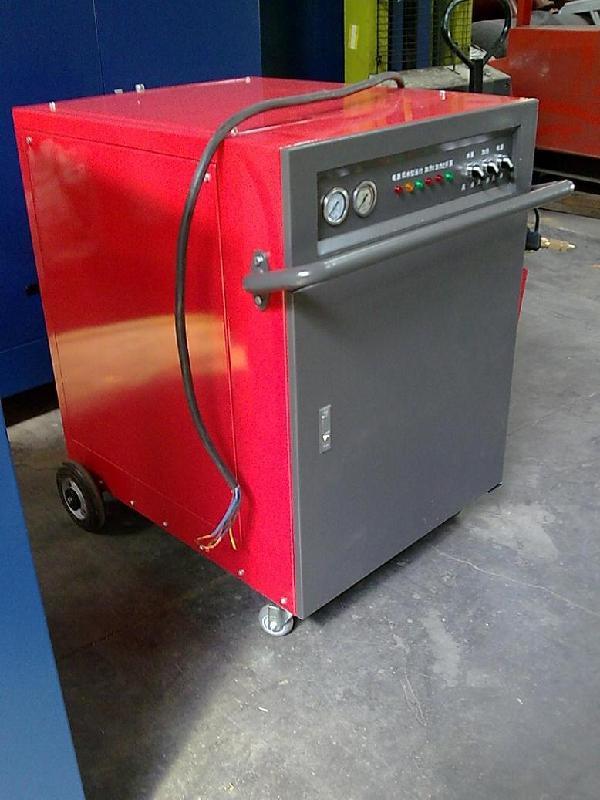 供应油田去油专用高温电加热蒸汽清洗机