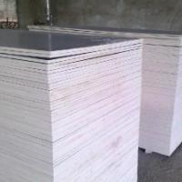 三聚氰胺胶水建筑模板
