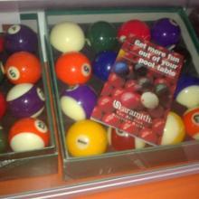 供应台球杆  金奖水晶球   无影灯箱   台球用品总汇