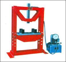 H型框架液压机/柱塞泵/液压油泵图片