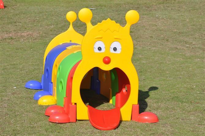 幼儿园大型玩法图片/幼儿园大型玩具玩具图米兔样板机器人颜色传感器积木图片