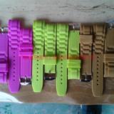 供应广东省硅胶手表带认准上博橡胶