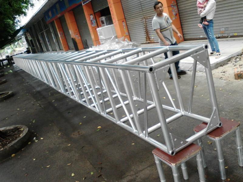 供应广州创崴大型演唱会舞台灯光架,跨度大的优质铝合金桁架