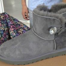供应出口羊皮毛一体雪地靴 灰色水钻低筒雪地靴 保暖靴大量批发