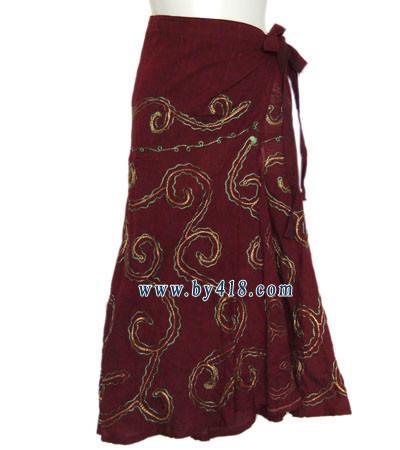 童装/供应泰国绣珠印花吊带云南民族服装厂家哪里有民族服装批发图片