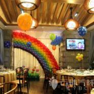 彩虹背景墙气球背景图片
