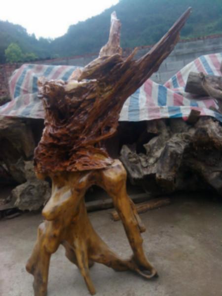供应四川根雕摆件厂家,金丝楠木根雕摆件批发