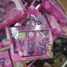 供应饰品玩具按斤称地摊玩具热卖批发