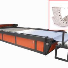 供应YK-1325服装激光裁床棒料自动送料机构激光开料机批发