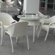 藤编咖啡厅桌椅图片
