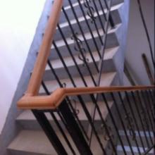 供应铁艺木制组合楼梯栏杆