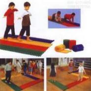 儿童塑料平衡步道图片