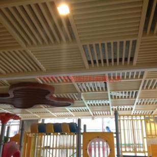 幼儿园吊顶铝格栅图片
