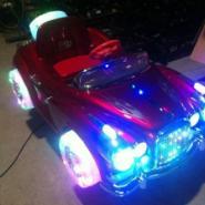 老爷车带LED闪灯摇摇车图片