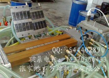 PVC外墙装饰挂板生产线图片