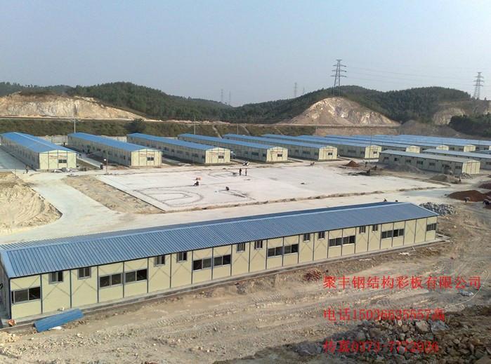 供应林州市轻钢大棚钢结构