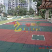 供应江津区儿童防护地垫,重庆安全地垫生产厂家,重庆运动球场防护安全地垫图片