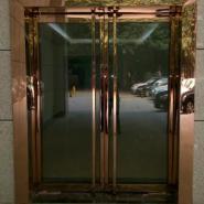 玫瑰钛金玻璃门图片