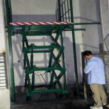 供应广州电动导轨式液压升降机