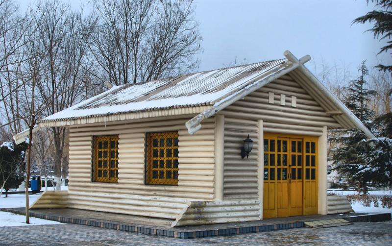 供应轻型木屋图片-欧式别墅山庄休闲度假小屋 海边防腐木木屋