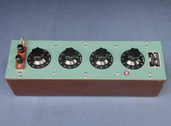 供应RX7/0标准电容箱-六表厂