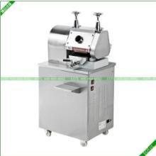 供应鲜榨甘蔗机黑甘蔗榨汁机榨甘蔗汁机器不锈钢甘蔗压榨机