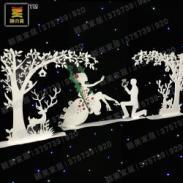 PVC雕刻橱窗圣诞树婚庆摆件新人图片
