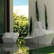 小区楼盘绿化玻璃钢花钵图片
