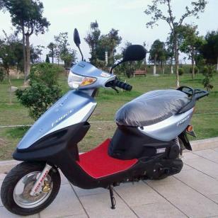 雅马哈福喜100摩托车图片