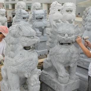 石雕石狮子多少钱图片