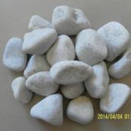 雪花白鹅卵石图片