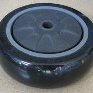 中型黑色PU单轮图片