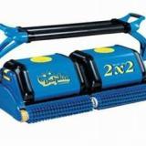 供应青岛海豚22游泳池吸污机