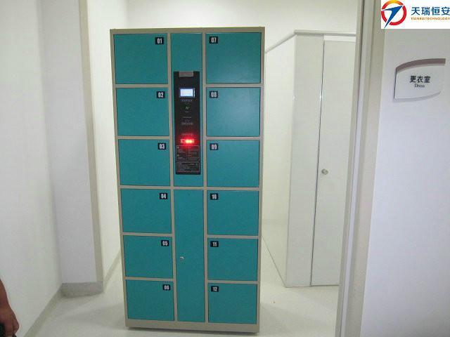 供应12门条码型电子储物柜