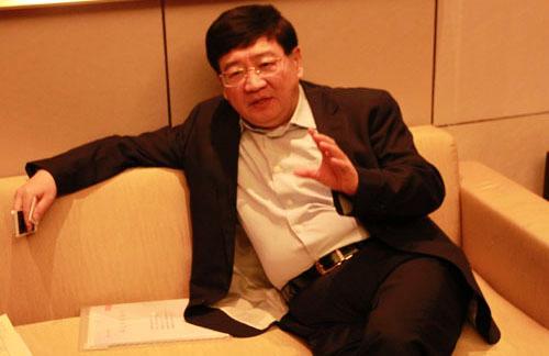 徐小平:传统企业要转型一定要把自己当成傻瓜