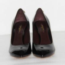 供应全新专柜正品LV高跟鞋尖头真皮鞋,休闲女单鞋,漆皮鞋,女神大爱款皮鞋批发