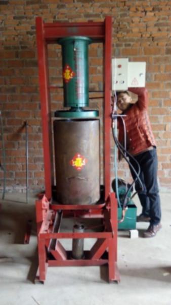 供应辽宁丹东黄豆榨油机家用价格,丹东全自动两相电大豆挤油设备销售