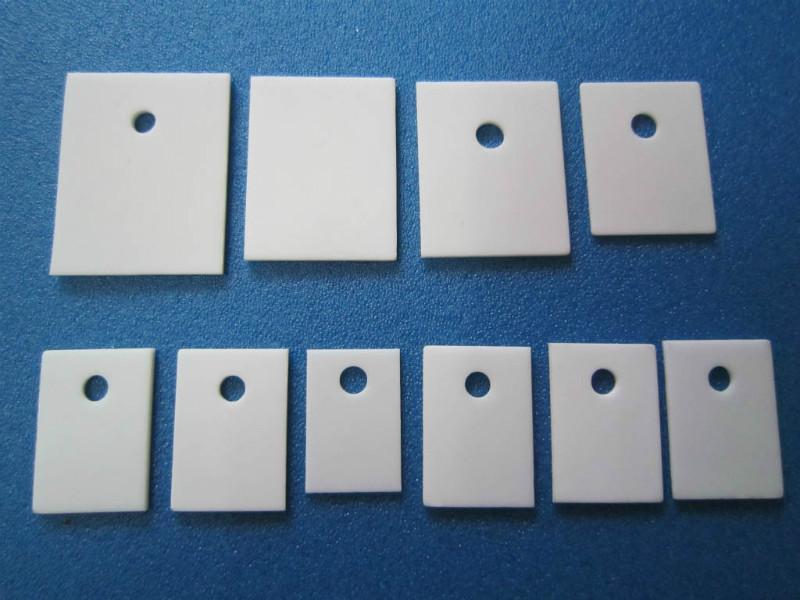 供应22*28高导热氧化铝陶瓷散热片,