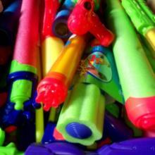 供应水枪类库存玩具现称斤批发销售批发